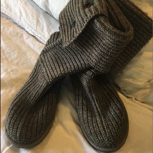 Tall grey cardy Ugg boots